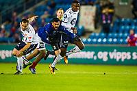 Fotball<br /> Tippeligaen runde 1<br /> Vålerenga VIF - Viking<br /> Ullevål Stadion 14.03.16<br /> Ghayas Zahid felles av Anthony Soares , Abdisalam Ibrahim<br /> <br /> Foto: Eirik Førde