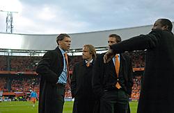04-06-2005 VOETBAL: NEDERLAND-ROEMENIE: ROTTERDAM <br /> Het Nederlands elftal heeft weer een stap gezet richting het WK van volgend jaar in Duitsland. In Rotterdam werd Roemenië met 2-0 verslagen / Marco van Basten<br /> ©2005-WWW.FOTOHOOGENDOORN.NL