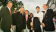 2000 Henley Royal Regatta, left to right, Matt PINSENT, Tim FOSTER, Jurgan GROBLER,'Aquile Abdulla' USA - Winner Diamond Sculls, James CRACKNELL and Steve REDGRAVE. Mandatory Credit Peter Spurrier/Intersport Images. 2000 Henley Royal Regatta, Henley.UK