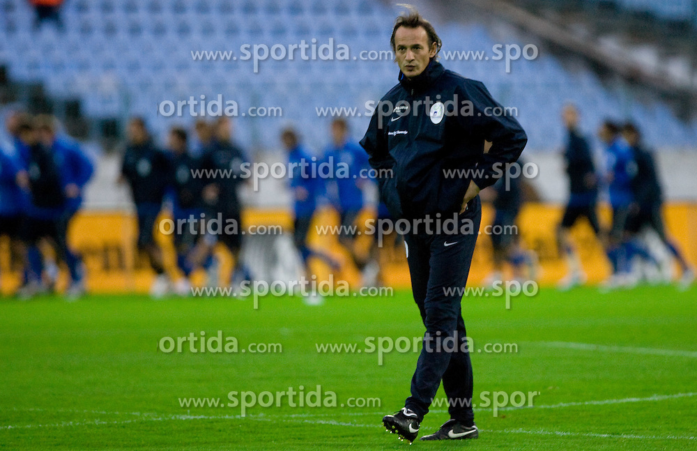 Coach of goalkeepers Nihad Pejkovic at practice of Slovenian National football team a day before FIFA World Cup Qualifications match between Slovakia and Slovenia, on October 09, 2009, in Tehelne Pole Stadium, Bratislava, Slovakia.  (Photo by Vid Ponikvar / Sportida)