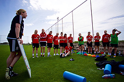 LARNACA, CYPRUS - Thursday, March 1, 2018: Wales manager Jayne Ludlow speaks to the players during a training session in Larnaca on day three of the Cyprus Cup tournament. (Pic by David Rawcliffe/Propaganda)