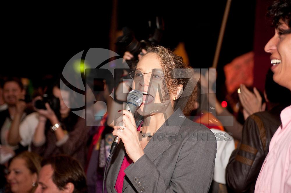 SAO PAULO, SP, 03.09.2014 -  Candidata a presidencia  Luciana Genro do PSOL no vão do Masp, em debate organizado por ativistas da causa LGBT na noite de Quarta-Feira,03 (Foto:Gabriel Soares/Brazil Photo Press)