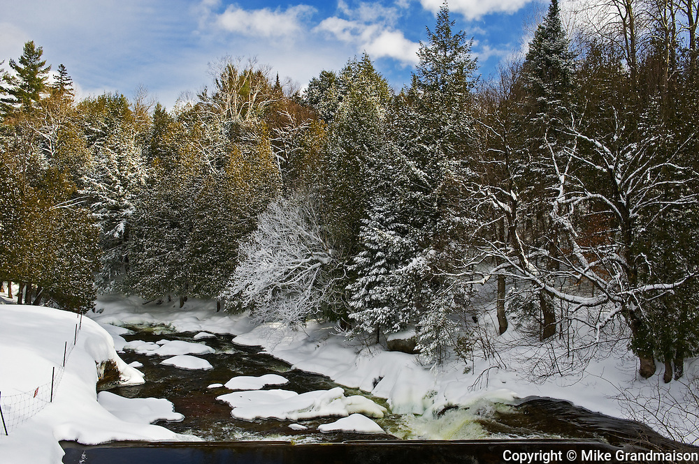 River in winter<br /> Lakeview<br /> Quebec<br /> Canada