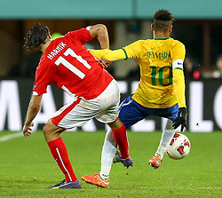 18.11.2014, Ernst Happel Stadion, Wien, AUT, Freundschaftsspiel, Oesterreich vs Brasilien, im Bild Martin Harnik (AUT) und Neymar jr (BRA) // during the friendly match between Austria and Brasil at the Ernst Happel Stadion, Vienna, Austria on 2014/11/18. EXPA Pictures © 2014, PhotoCredit: EXPA/ Alexander Forst