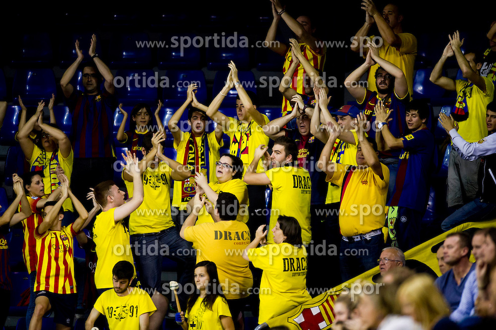 09.11.2013, Palau Blaugrana, Barcelona, ESP, Liga ASOBAL, FC Barcelona vs Frigorificos Morrazo, 9. Runde, im Bild FC Barcelona's supporters // FC Barcelona's supporters during the spanish Handball league ASOBAL 9th round match between FC Barcelona and Frigor&iacute;ficos at the Palau Blaugrana in Barcelona, Spain on 2013/11/10. EXPA Pictures &copy; 2013, PhotoCredit: EXPA/ Alterphotos/ Alex Caparros<br /> <br /> *****ATTENTION - OUT of ESP, SUI*****