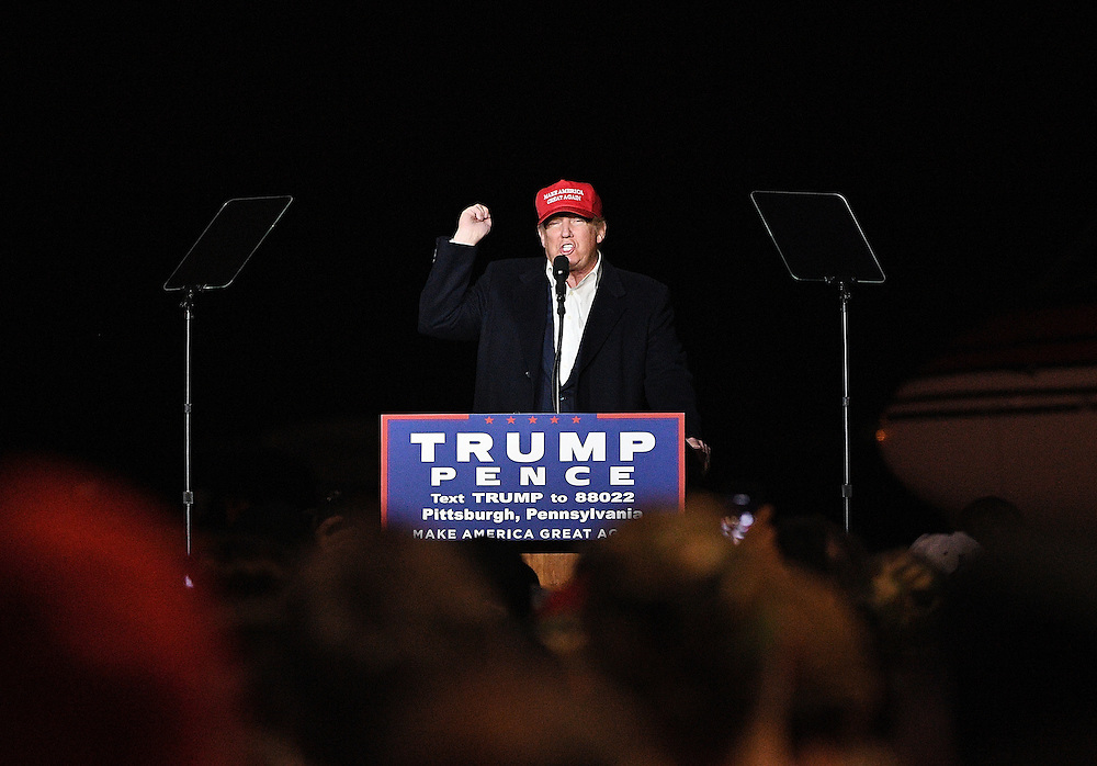 MOON TOWNSHIP, PA: Republican Presidential Candidate Donald Trump speaks at a campaign rally at Atlantic Aviation on November 6, 2016 in Moon Township, Pennsylvania (Photo by Justin Berl)