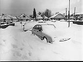 1982 - Dublin Snow Scenes.    (P8).