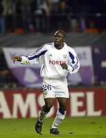 Fotball<br /> UEFA Champions League 2003/2004<br /> Norway Only<br /> Foto: Digitalsport<br /> <br /> BUXELLES BRUSSELS BRUSSEL 21/10/2003 FOOTBALL VOETBAL / UEFA CHAMPIONS LEAGUE : RSCA ANDERLECHT vs CELTIC GLASGOW FC /  DINDANE ARUNA / PICTURE : VINCENT KALUT - PHILIPPE CROCHET - JIMMY BOLCINA