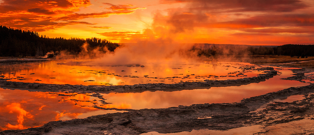 Sunset at Great Fountain Geysir, Yellowstone NP, USA