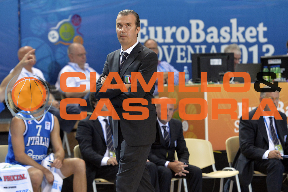 DESCRIZIONE : Capodistria Koper Slovenia Eurobasket Men 2013 Preliminary Round Russia Italia Russia Italy<br /> GIOCATORE : Simone Pianigiani<br /> CATEGORIA : Delusione<br /> SQUADRA : Italia<br /> EVENTO : Eurobasket Men 2013<br /> GARA : Russia Italia Russia Italy<br /> DATA : 04/09/2013<br /> SPORT : Pallacanestro&nbsp;<br /> AUTORE : Agenzia Ciamillo-Castoria/GiulioCiamillo<br /> Galleria : Eurobasket Men 2013 <br /> Fotonotizia : Capodistria Koper Slovenia Eurobasket Men 2013 Preliminary Round Russia Italia Russia Italy<br /> Predefinita :