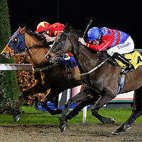 Addikt and Tom Eaves winning the 5.30 race