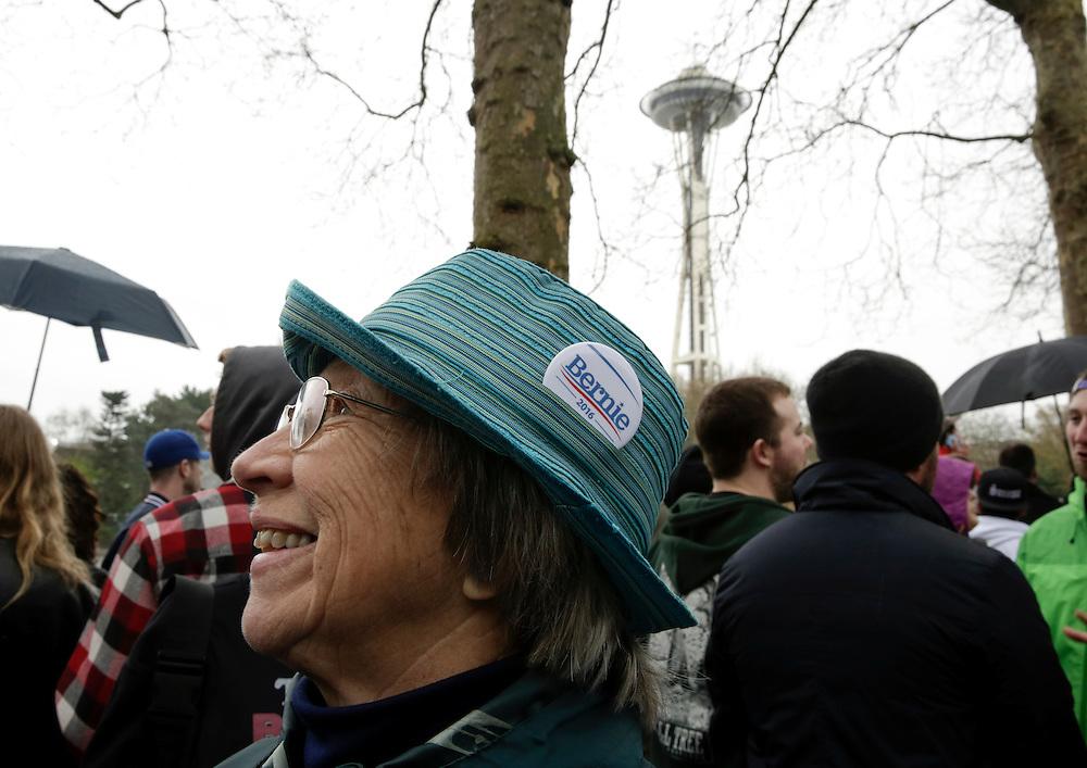 Alyce Werkema, of Lynden, Wash. is waits in line to see Democratic presidential candidate Bernie Sanders speak at Key Arena on March 20, 2016 in Seattle.  AFP PHOTO/JASON REDMOND