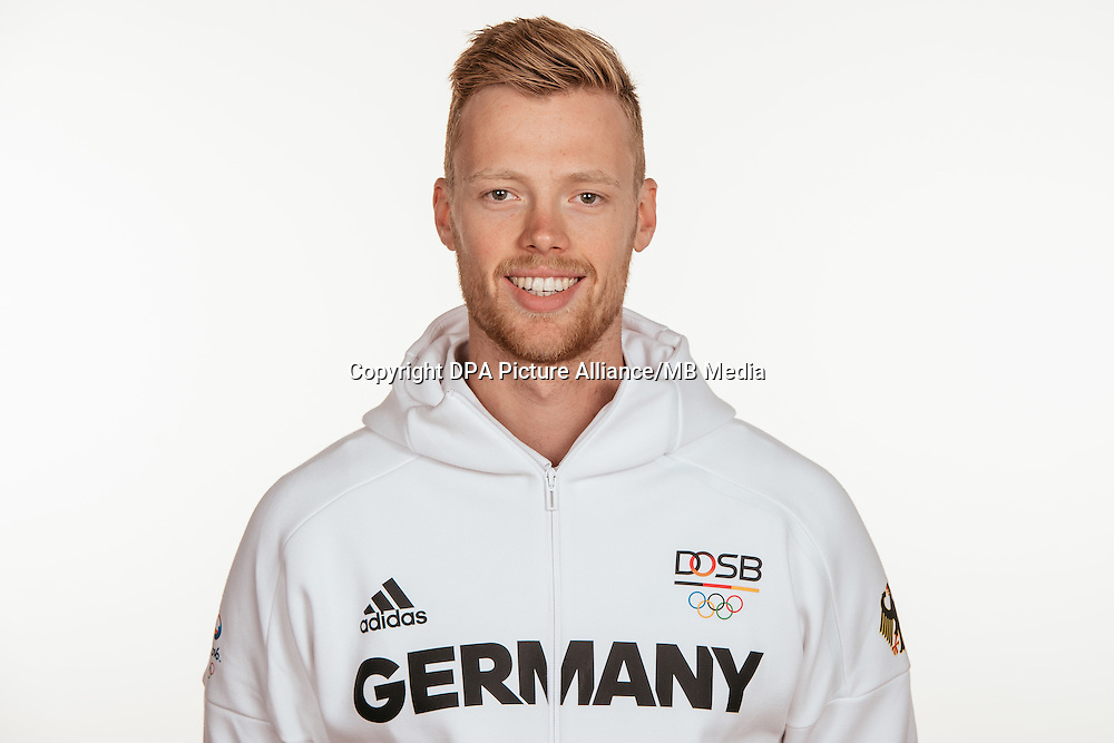 Johannes Weißenfeld poses at a photocall during the preparations for the Olympic Games in Rio at the Emmich Cambrai Barracks in Hanover, Germany, taken on 14/07/16 | usage worldwide