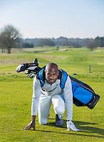 ARNHEM - Atleet Churandy Martina , sprinter op de golfbaan met les van Thomas IJland, voor Golf.nl COPYRIGHT KOEN SUYK ARNHEM - Atleet Churandy Martina , sprinter op de golfbaan met les van Thomas IJland, voor Golf.nl COPYRIGHT KOEN SUYK