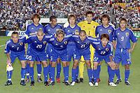 FOTBALL - CONFEDERATIONS CUP 2003 - GROUP A - FRANKRIKE v JAPAN - 030620 - TEAM JAPAN ( BACK LEFT TO RIGHT: SHUNSUKE NAKAMURA / ALESSANDRO SANTOS / YASUHITO ENDO / SEIGO NARAZAKI / TSUNEYASU MIYAMOTO / YOSHITO OKUBO . FRONT ROW: HIDETOSHI NAKATA / NAOHIRO TAKAHARA / JUNICHI INAMOTO / KEISUKE TSUBOI / NOBUHISA YAMADA ) - PHOTO GUY JEFFROY / DIGITALSPORT