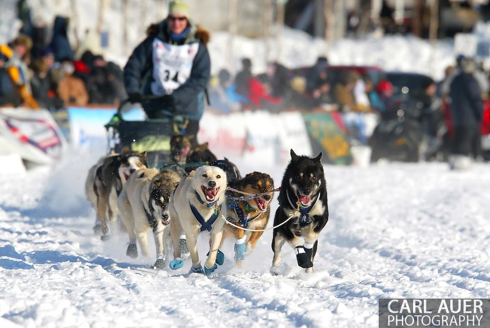 3/4/2007:  Willow, Alaska -  Rookie Silvia Willis of Deshka River, AK at the 35th Iditarod Sled Dog Race
