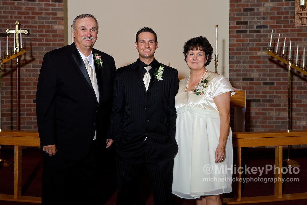 Wedding photography of Nicole Henseleit and Matt Geary in Kokomo, Indiana.<br /> By Michael Hickey, wedding photographer