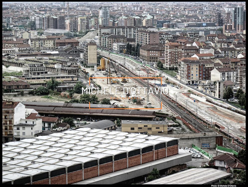 Nella foto:  via Cigna Area Gondrand.. Reportage fotografico aereo di bassa quota per l'importante progetto di trasformazione urbana Variante n. 200 al P.R.G. inerente la Linea 2 Metropolitana e Quadrante Nord-Est di Torino: Barriera di Milano, Rebaudengo, Falchera, Regio Parco, Barca e Bertolla.