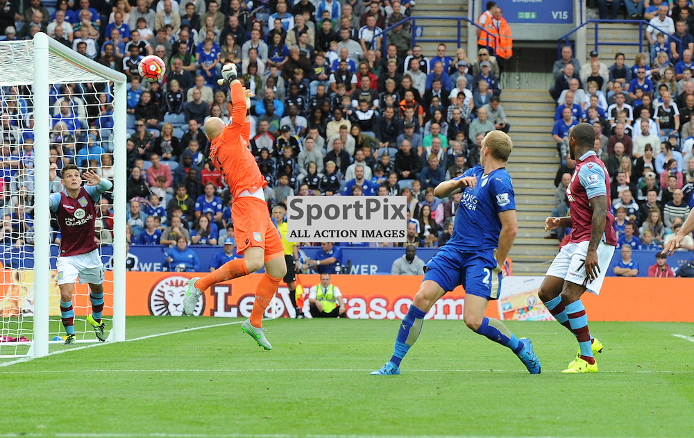 Richie De Laet puts the ball in off of the underside of the bar to make the score 2-1 (c) Simon Kimber   SportPix.org.uk