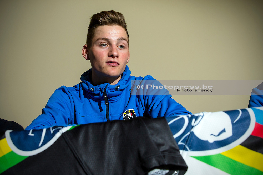 BELGIE / BELGIUM / BELGIQUE / BRUSSEL /  CYCLING / WIELRENNEN / CYCLISME / PRESS CONFERENCE / PERSCONFERENTIE / WORLD CHAMPION CYCLOCROSS 2015 MATHIEU VAN DER POEL TALKS TO THE PRESS ABOUT HIS RECOVERY AND COME BACK /