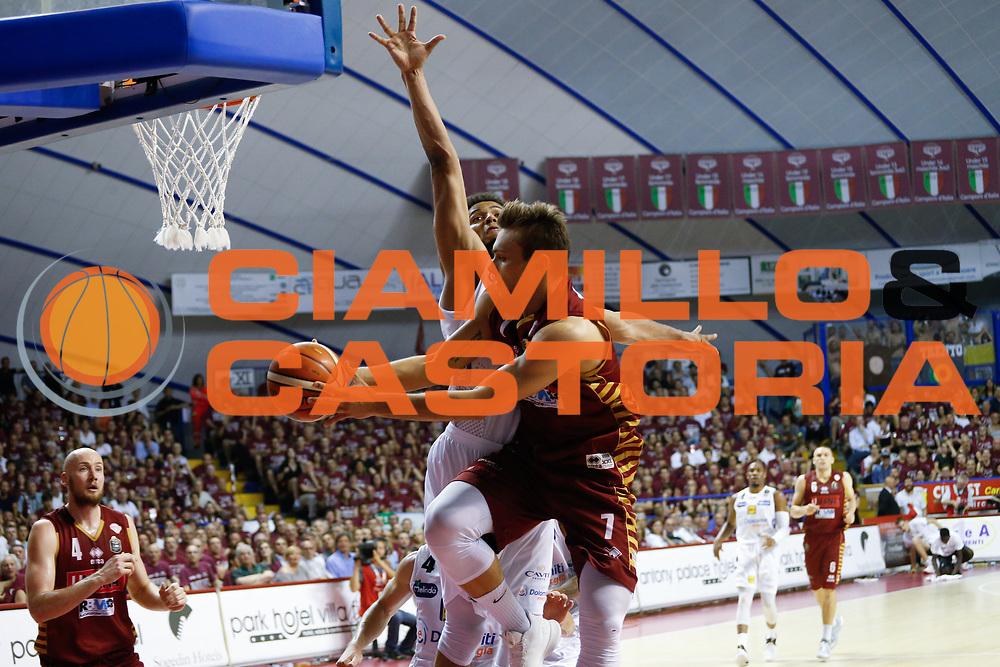 Stefano Tonut<br /> Umana Reyer Venezia - Dolomiti Energia Aquila Basket Trento<br /> Lega Basket Serie A 2016/17 Finali Gara 01<br /> Venezia, 10/06/2017<br /> Foto Ciamillo-Castoria / M. Brondi