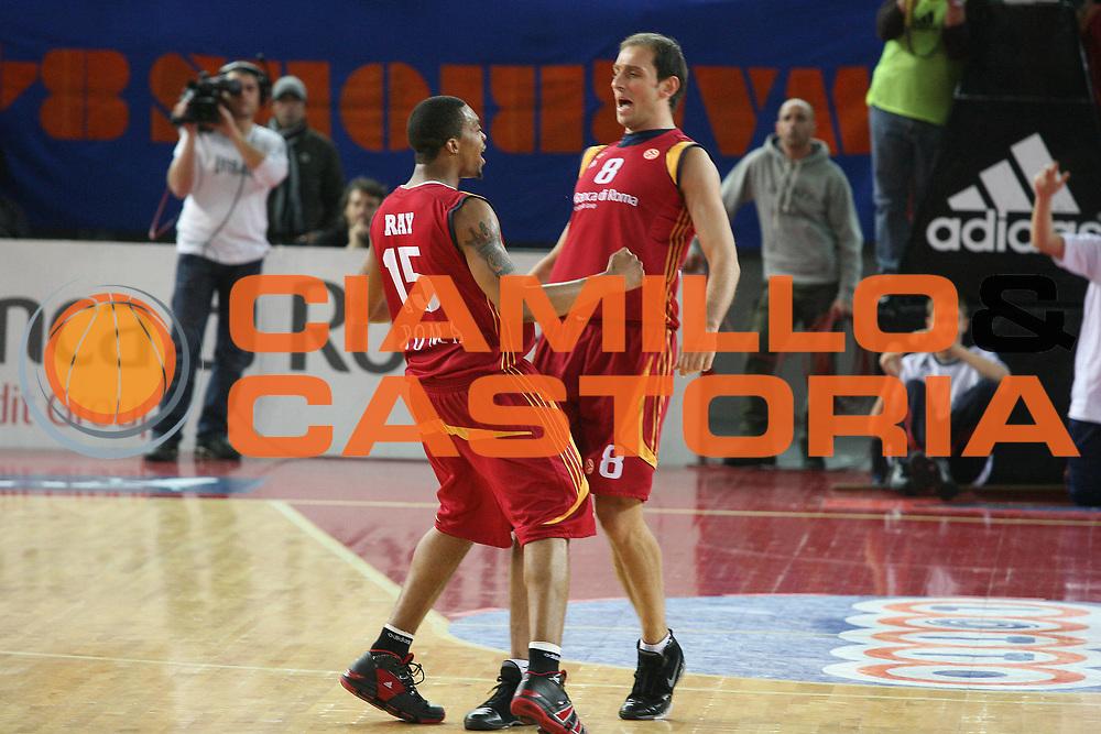DESCRIZIONE : Roma Eurolega 2007-08 Lottomatica Virtus Roma Partizan Belgrado <br />GIOCATORE : Ray Tonolli<br />SQUADRA : Lottomatica Virtus Roma <br />EVENTO : Eurolega 2007-2008 <br />GARA : Lottomatica Virtus Roma Partizan Belgrado <br />DATA : 16/01/2008 <br />CATEGORIA : Esultanza<br />SPORT : Pallacanestro <br />AUTORE : Agenzia Ciamillo-Castoria/G.Ciamillo