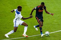 Geoffrey Kondogbia of Valencia takes on Kelechi Iheanacho of Leicester City - Mandatory by-line: Robbie Stephenson/JMP - 01/08/2018 - FOOTBALL - King Power Stadium - Leicester, England - Leicester City v Valencia - Pre-season friendly
