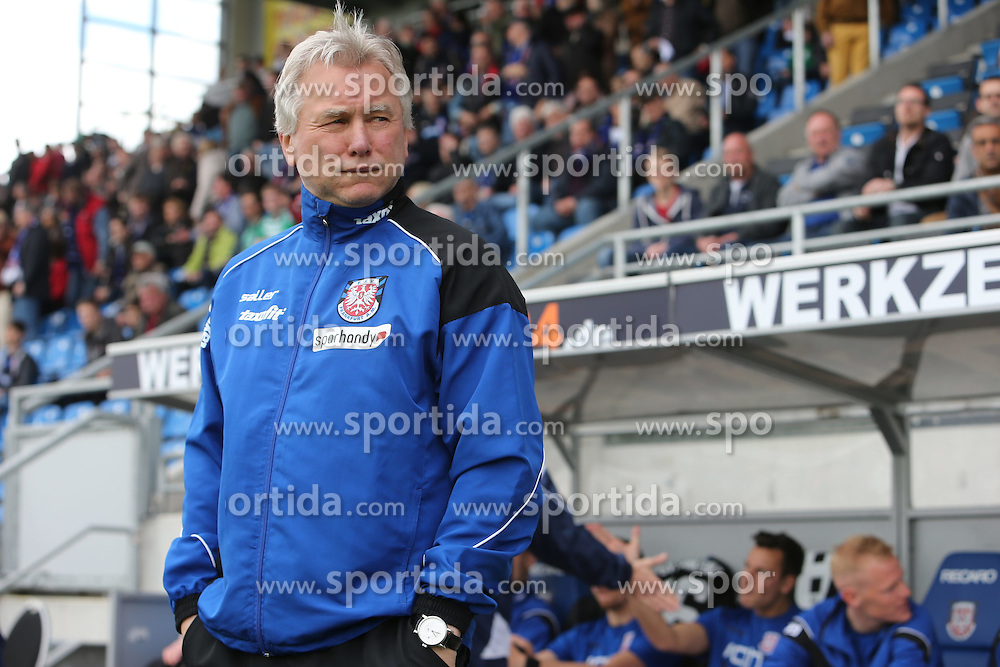 11.04.2015, Frankfurter Volksbank Stadion, Frankfurt, GER, 2. FBL, FSV Frankfurt vs SpVgg Greuther Fuerth, 28. Runde, im Bild Einmal tief durchatmen vor dem Spiel von Trainer Benno M&ouml;hlmann, Moehlmann (FSV Frankfurt) // during the 2nd German Bundesliga 28th round match between FSV Frankfurt and SpVgg Greuther Fuerth at the Frankfurter Volksbank Stadion in Frankfurt, Germany on 2015/04/11. EXPA Pictures &copy; 2015, PhotoCredit: EXPA/ Eibner-Pressefoto/ Roskaritz<br /> <br /> *****ATTENTION - OUT of GER*****