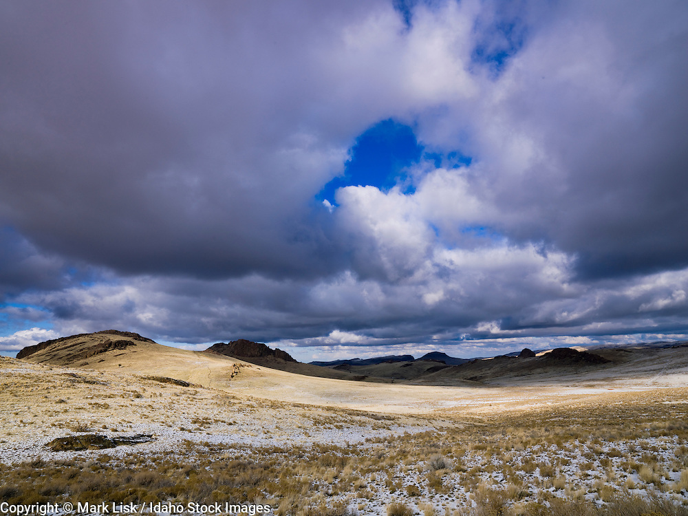 Early winter snow in the cold Owyhee Desert, a sub-desert of the Great Basin on the Idaho/Oregon border.