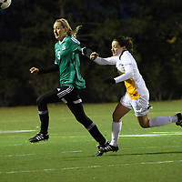 3rd year midfielder Sarah Moroziuk (12) of the Regina Cougars in action during the Women's Soccer home game on October 7 at U of R Field. Credit: Arthur Ward/Arthur Images