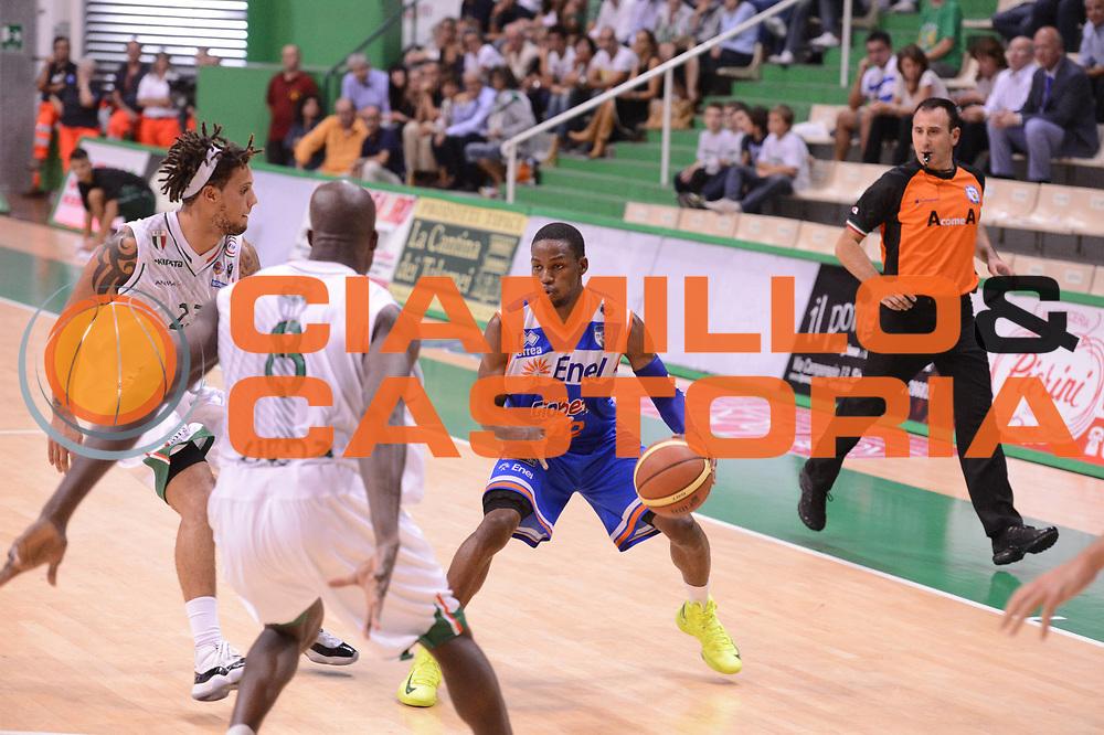 DESCRIZIONE : Siena Lega Basket A 2012-13  Montepaschi Siena Enel Brindisi<br /> GIOCATORE : Jonathan Gibson<br /> CATEGORIA : palleggio<br /> SQUADRA : Enel Brindisi<br /> EVENTO : Campionato Lega A 2012-2013 <br /> GARA : Montepaschi Siena Enel Brindisi<br /> DATA : 26/09/2012<br /> SPORT : Pallacanestro  <br /> AUTORE : Agenzia Ciamillo-Castoria/ GiulioCiamillo<br /> Galleria : Lega Basket A 2012-2013  <br /> Fotonotizia : Siena Lega Basket A 2012-13 Montepaschi Siena Enel Brindisi<br /> Predefinita :