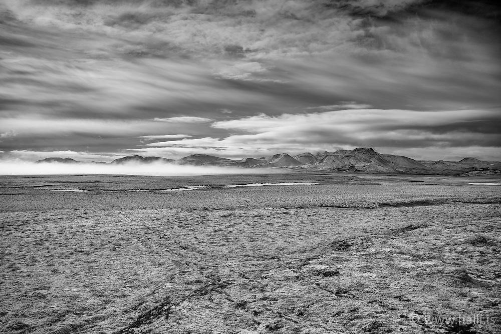 Mountain at Hengill area, Iceland - Fjallasýn á Nesjavallaleið