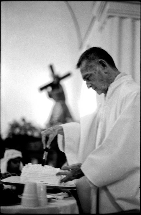 MISCEL&Aacute;NEAS<br /> Photography by Aaron Sosa<br /> Iglesia San Antonio de Padua<br /> Clarines, Estado Anzoategui<br /> Venezuela 2001<br /> (Copyright &copy; Aaron Sosa)