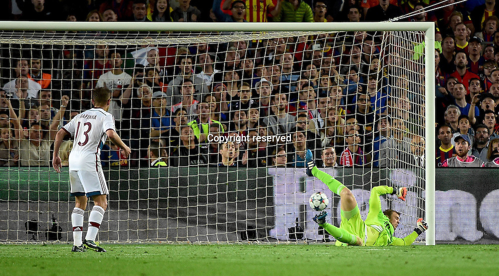 06.05.2015. Nou Camp, Barcelona, Spain, UEFA Champions League semi-final. Barcelona versus Bayern Munich. Manuel Neuer (FC Bayern Munich) beaten by the shot from Lionel Messi (FC Barcelona) for  1:0