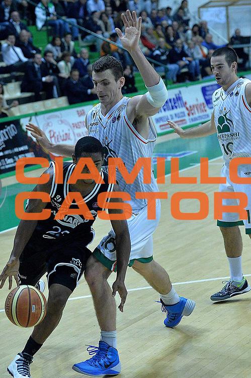 DESCRIZIONE : Siena Lega serie A 2013/14 Montepaschi Siena Granarolo Bologna<br /> GIOCATORE : ware casper<br /> CATEGORIA : palleggio<br /> SQUADRA : Granarolo Bologna<br /> EVENTO : Campionato Lega Serie A 2013-2014<br /> GARA : Montepaschi Siena Granarolo Bologna<br /> DATA : 28/10/2013<br /> SPORT : Pallacanestro<br /> AUTORE : Agenzia Ciamillo-Castoria/M.Greco<br /> Galleria : Lega Seria A 2013-2014<br /> Fotonotizia : Siena Lega serie A 2013/14 Montepaschi Siena Granarolo Bologna<br /> Predefinita :