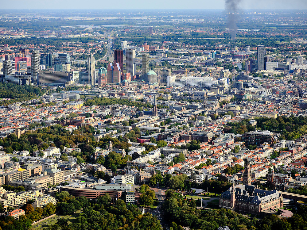 Nederland, Zuid-Holland, Den Haag, 14-09-2019; zicht op hoogbouw in centrum van de stad, met verschillende ministeries tussen Centraal Stadion en Stadhuis, Zeeheldenkwartier, Willemspark, in de voorgrond het Vredespaleis<br /> View of high-rise buildings in the center of the city, with various ministries, in the foreground the Peace Palace.<br /> luchtfoto (toeslag op standard tarieven);<br /> aerial photo (additional fee required);<br /> copyright foto/photo Siebe Swart