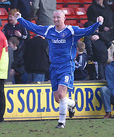 Photo: Dave Linney.<br />Walsall v Oldham Athletic. Coca Cola League 1. 18/02/2006.Oldhams Luke Beckett makes it 1-0 to Oldham.