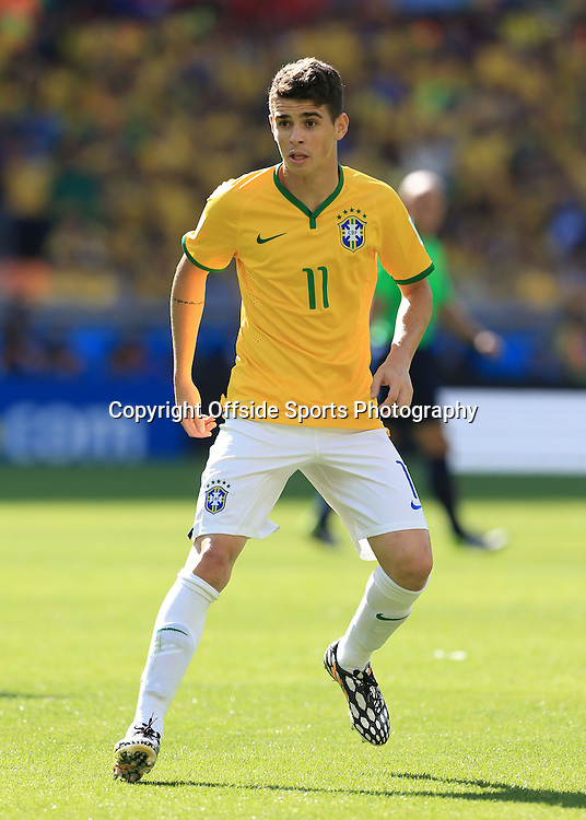 28th June 2014 - FIFA World Cup - Round of 16 - Brazil v Chile - Oscar of Brazil - Photo: Simon Stacpoole / Offside.