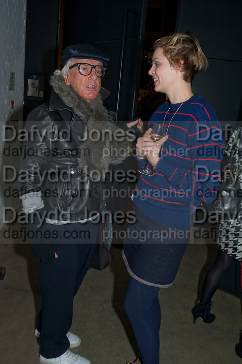 NICKY HASLAM; JESSICA BRINTON, Wallpaper* Design Awards. Wilkinson Gallery, 50-58 Vyner Street, London E2, 14 January 2010 *** Local Caption *** -DO NOT ARCHIVE-© Copyright Photograph by Dafydd Jones. 248 Clapham Rd. London SW9 0PZ. Tel 0207 820 0771. www.dafjones.com.<br /> NICKY HASLAM; JESSICA BRINTON, Wallpaper* Design Awards. Wilkinson Gallery, 50-58 Vyner Street, London E2, 14 January 2010