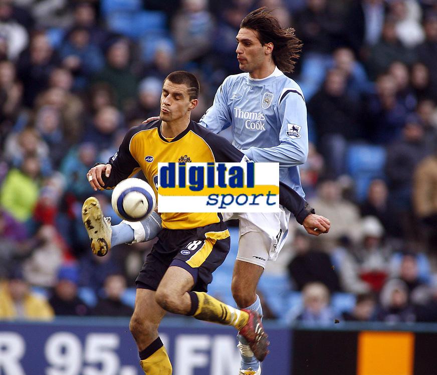 Fotball<br /> England<br /> Foto: imago/Digitalsport<br /> NORWAY ONLY<br /> <br /> 18.03.2006  <br /> <br /> Paul Scharner (Wigan, li.) gegen Georgios Samaras (Manchester City) <br /> <br /> PUBLICATIONxNOTxINxUK