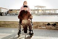 Villaggio Coppola - Una coppia ritratta a Castelvolturno sul litorale domizio.<br /> Ph. Roberto Salomone