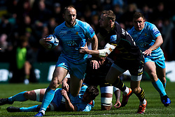 Chris Pennell of Worcester Warriors takes on Rory Hutchinson of Northampton Saints - Mandatory by-line: Robbie Stephenson/JMP - 04/05/2019 - RUGBY - Franklin's Gardens - Northampton, England - Northampton Saints v Worcester Warriors - Gallagher Premiership Rugby
