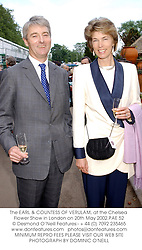 The EARL & COUNTESS OF VERULAM, at the Chelsea Flower Show in London on 20th May 2002.	PAE 52