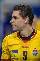 04-02-2017 NED: Draisma Dynamo - VC Nesselande, Apeldoorn<br /> Dynamo wint vrij eenvoudig en verslaat Nesselande met 3-0 / Renzo Verschuren #9 of Dynamo