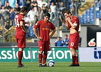 delusione Totti Pizarro Menez<br /> Roma 11/4/2009 Stadio Olimpico<br /> Campionato Italiano Serie A<br /> Lazio Roma<br /> Foto Andrea Staccioli Insidefoto