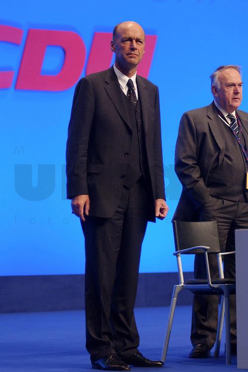 11 NOV 2002, HANNOVER/GERMANY:<br /> Laurenz Meyer, CDU Generalsekretaer, CDU Bundesparteitag, Hannover Messe<br /> IMAGE: 20021111-01-005<br /> KEYWORDS: Parteitag, party congress, Generalsekret&auml;r