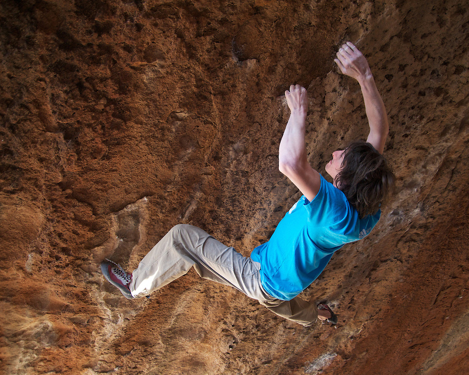 Dave Graham attempting Nagual (V13) during the 2012 Hueco Rock Rodeo