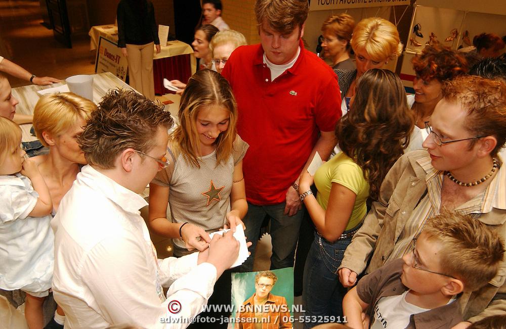 Uitreiking Gouden Vedel, Jamai, handtekeningen, fans