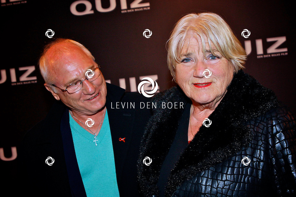AMSTERDAM - In het Tuschinski theater is de Nederlandse film Quiz in premiere gegaan.  Met op de foto Nelly Frijda en haar partner. FOTO LEVIN DEN BOER - PERSFOTO.NU