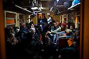 Vagone treno nei pressi del One Stop Centre di Presevo. Ogni giorno il convoglio trasporta diverse centinaia di persone a nord della Serbia, a Sid | Wagon train near the One Stop Centre in Presevo. Every day the convoy carrying several hundred people in northern Serbia, Sid